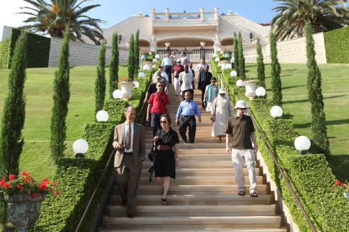Fellows and John Paul II Center program leaders visit Bahai World Centre in Israel as part of the Academic Seminar (2011)